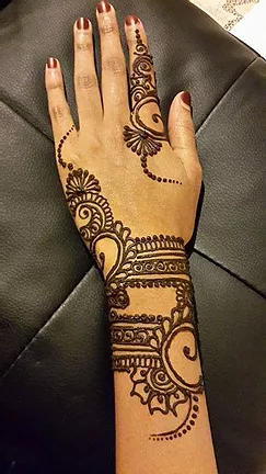 PartyAllo Singapore henna painting